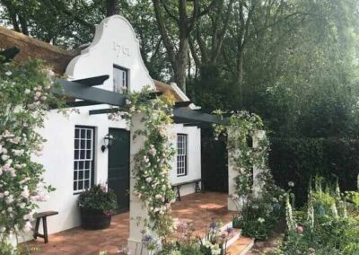 Gardengigs-1761-COTTAGE-Chelsea-Flower-Show-House-Entrance