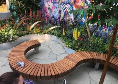 Gardengigs-Chelsea-Flower-Show-S-Bench-and-Wall-Art