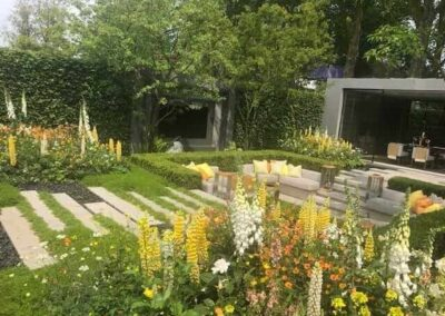 Gardengigs-LG-ECO-CITY-GARDEN-Chelsea-Flower-Show-Blooming-Flowers