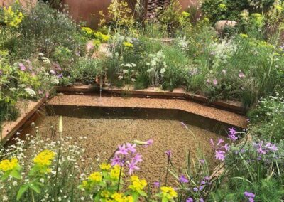 Gardengigs-SARAH-PRICE-GARDEN-Chelsea-Flower-Show-Pond-and-Flowers