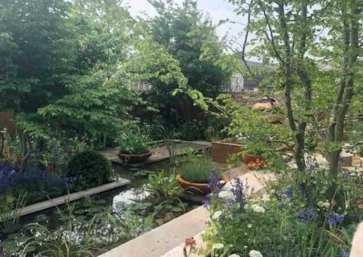Gardengigs-THE-SILENT-POOL-GIN-GARDEN-Chelsea-Flower-Show-Pond-and-Island-Gardens