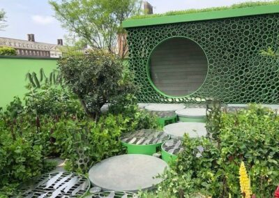 Gardengigs-VARIOUS-GARDENS-Chelsea-Flower-Show-Green-Circular-Metal-Designs