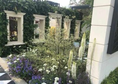 Gardengigs-VARIOUS-GARDENS-Chelsea-Flower-Show-White-Flowers-